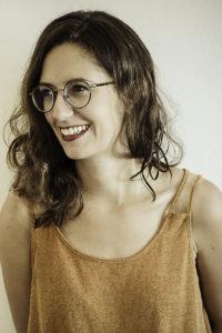 Hermine Bonnemer, architecte diplômée d'état, décoratrice d'intérieur à La Réunion et créatrice de l'agence de décoration Décogité