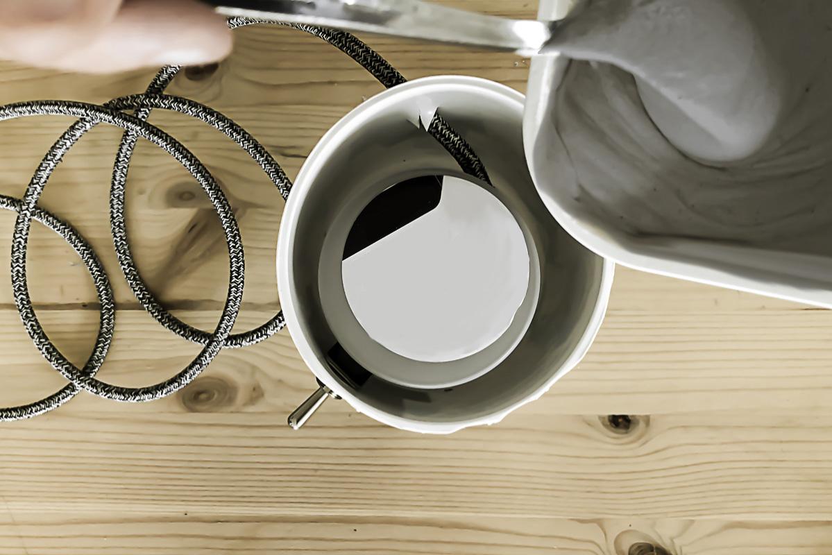 Partie 10 de la réalisation du DIY lampe en béton