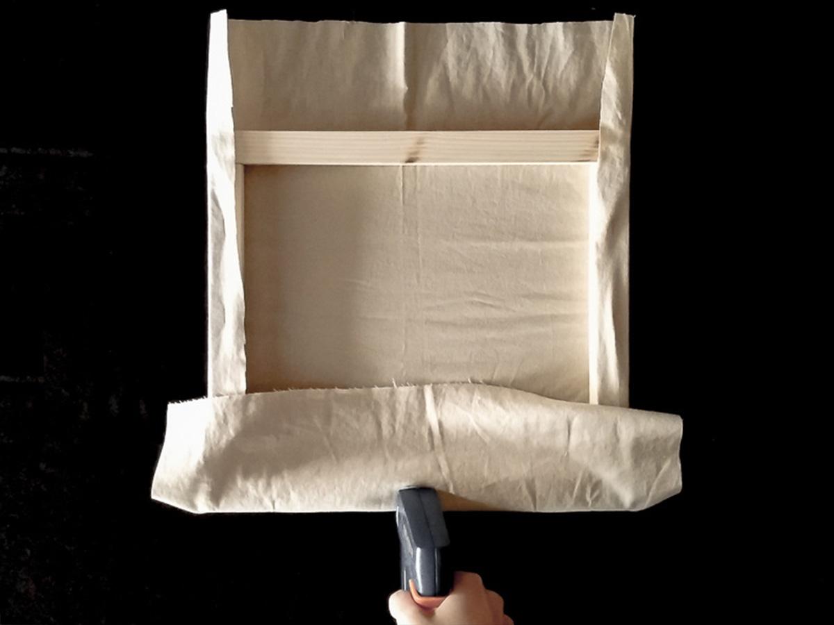 DIY toile brodée fixation tissu partie 4