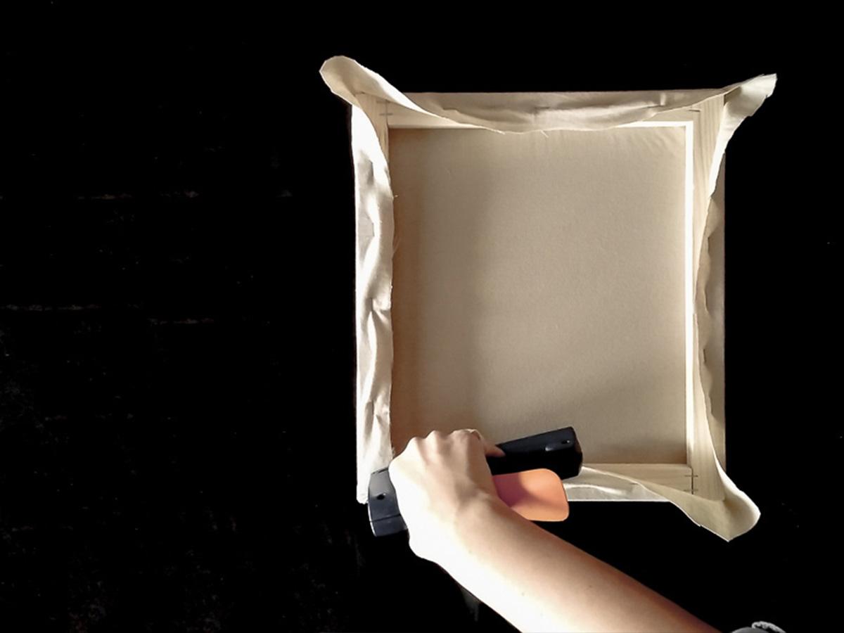 DIY toile brodée fixation tissu partie 9