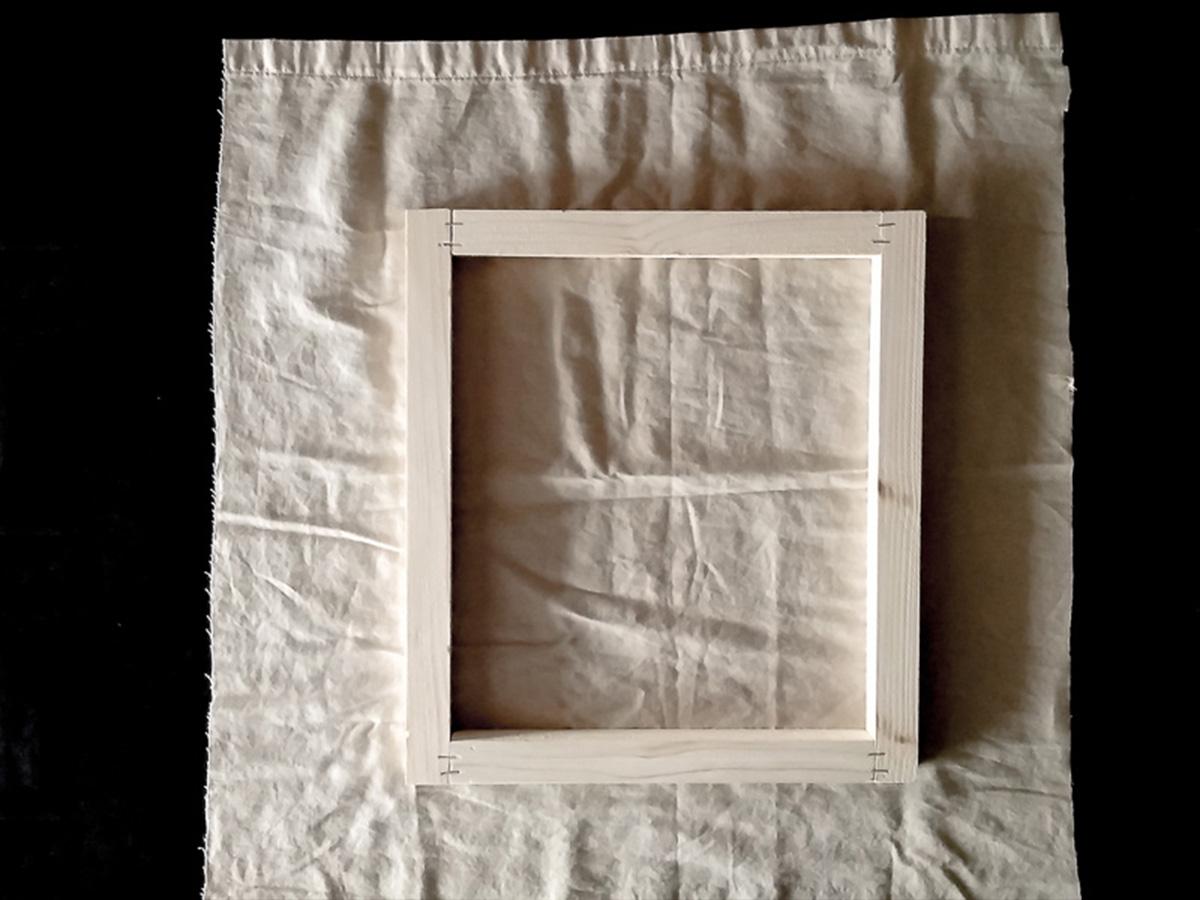 DIY toile brodée fixation tissu partie 1