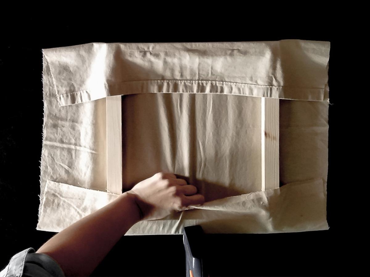 DIY toile brodée fixation tissu partie 3