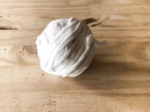 Pelote trapilho (ou fil spaghetti, ou t-shirt yarn)