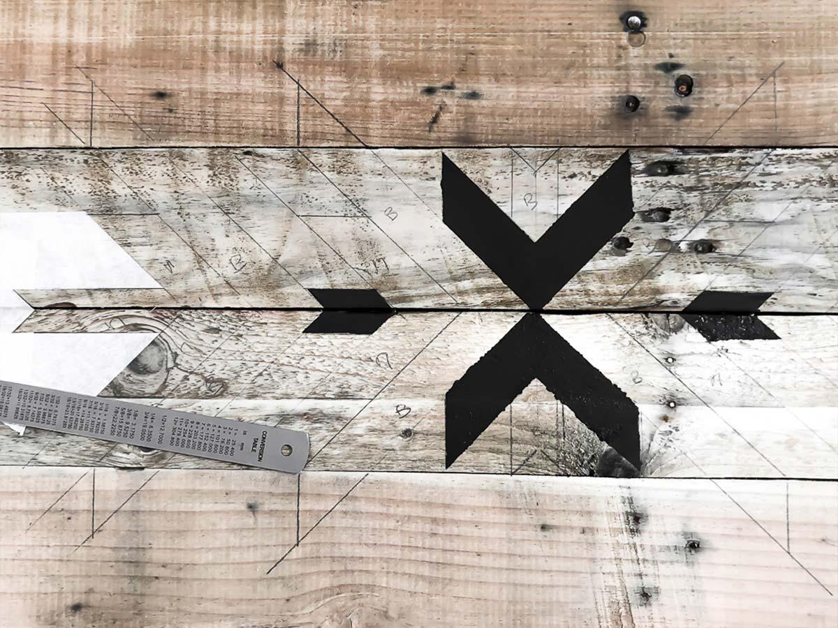 Déco murale en bois recyclé DIY 12